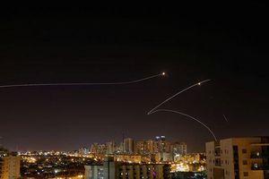 430 tên lửa tấn công Israel trong 24h, Dải Gaza 'căng như dây đàn'