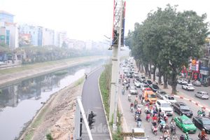 Làm sạch sông Tô Lịch: Căn cơ là xử lý nguồn chất thải vào dòng sông