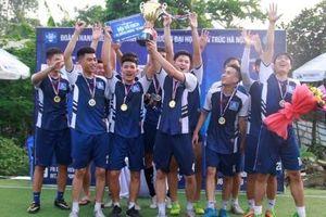 Câu lạc bộ Khoa học và xây dựng vô địch môn bóng đá nam trường Kiến trúc