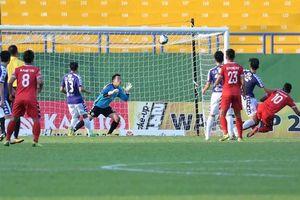Hà Nội FC lấy lại 1 điểm vào phút bù giờ