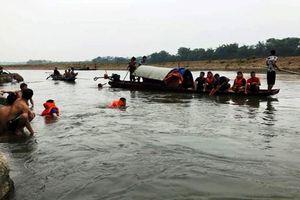 Rủ nhau ra sông Mã tắm, bốn học sinh chết đuối