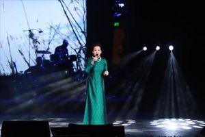 Danh ca Khánh Ly tiết lộ về 'bí mật' ca khúc 'Tôi ơi đừng tuyệt vọng'
