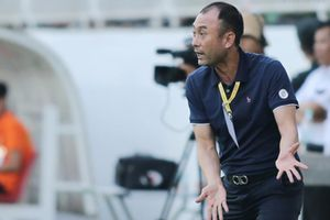 HLV Hàn Quốc khen ai khi thắng trận đầu cùng HAGL?