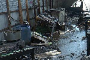 Nổ bình gas, 2 căn nhà bị thiêu rụi ở Bạc Liêu