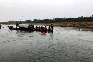 Thanh Hóa: 4 học sinh lớp 7 đuối nước thương tâm trên sông Mã