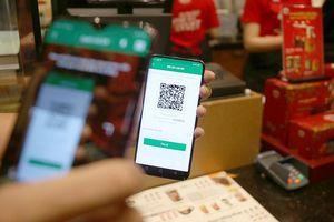 Phạt nhẹ, rủi ro ví điện tử cao