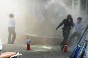Đà Nẵng: Nhân viên ngân hàng tháo chạy vì máy phát điện bốc cháy nghi ngút