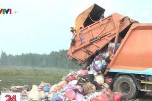 Bắt quả tang xe đổ trộm gần 5 tấn rác thải công nghiệp