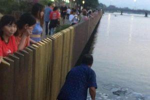 Lãnh đạo tỉnh Thừa Thiên Huế chỉ đạo xử lý nghiêm việc rải vàng mã xuống sông Hương