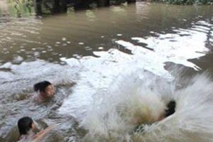 Thanh Hóa: Ra sông Mã tắm, 4 học sinh đuối nước thương tâm