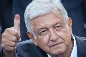 Hàng nghìn người tuần hành yêu cầu Tổng thống Mexico từ chức