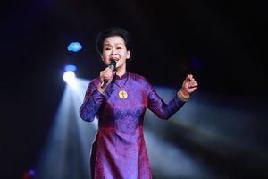 Khánh Ly: 'Tôi đã hết tuổi để mong chờ ai đó đến bên mình'