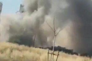 Gia đình Israel kêu gào khóc lóc khi rocket từ Gaza nổ phía trước ô tô