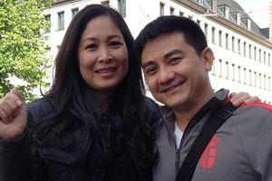 NSND Hồng Vân đến thăm mộ, tiết lộ di nguyện xúc động của cố nghệ sĩ Anh Vũ