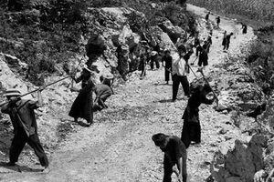 Kỳ tích của 'đội quân phó cối' giữa lòng chảo Mường Thanh khốc liệt