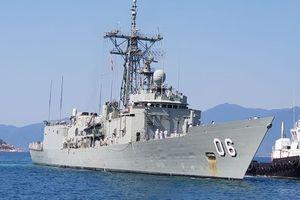Hai chiến hạm Hải quân Úc chính thức thăm Cam Ranh