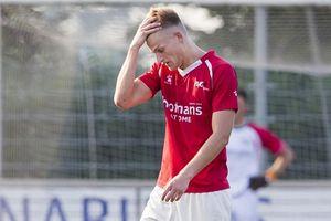 Giả bệnh để xem Champions League, cầu thủ Hà Lan bị đuổi khỏi CLB