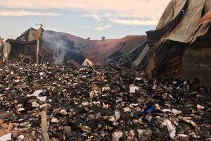 Ai chịu trách nhiệm trong vụ cháy 3.000 thùng hồ sơ xe buýt TPHCM?