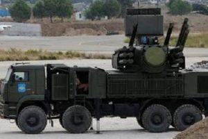 Căn cứ Nga ở Syria bị phiến quân nã hàng chục tên lửa