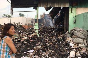 Bí ẩn vụ cháy rụi kho tài liệu xe buýt