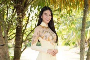 Hoa hậu Phương Khánh xinh đẹp với áo dài, trở thành Đại sứ du lịch tỉnh Bến Tre