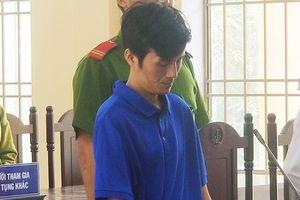 20 năm tù cho gã hàng xóm đồi bại nhiều lần hiếp dâm bé gái 10 tuổi