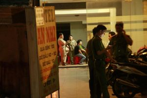Nam thanh niên đâm chết bạn gái rồi tự tử trong khách sạn