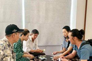 Gần 300 triệu đồng tiền phúng điếu trong lễ tang cố nghệ sĩ Lê Bình được gia đình làm từ thiện