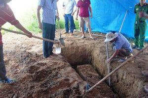 Công an khai quật tử thi nam thanh niên tử vong bất thường
