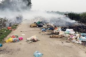 Nhức nhối việc xử lý rác thải nông thôn