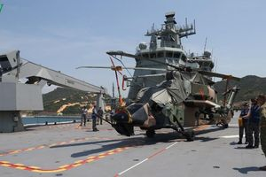 Hai tàu chiến của Hải quân Australia cập Cảng quốc tế Cam Ranh