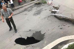 Hà Nội: Bất ngờ xuất hiện 'hố tử thần' ngay cạnh hầm Kim Liên