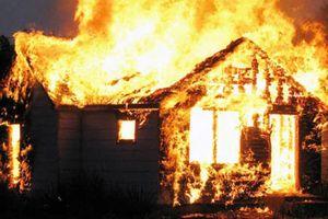 Nữ chủ nhà cùng người đàn ông lạ bỏng nặng trong vụ cháy
