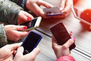 Thu thuế tiêu thụ đặc biệt với điện thoại: 'Vẽ đường' cho hàng lậu?