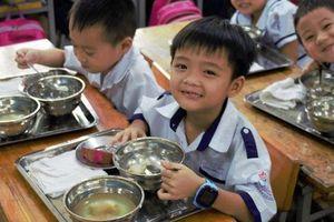 Cải thiện tầm vóc trẻ em thông qua bữa ăn học đường dinh dưỡng