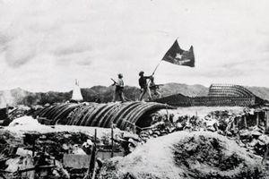 Quảng Bình: Hàng vạn người viếng mộ Đại tướng nhân ngày 7/5