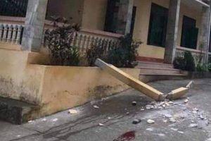 Nhiều điểm bất thường trong vụ cột bê tông rơi khiến 2 học sinh thương vong ở Hòa Bình
