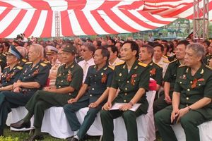 Hơn 1.000 khách mời tham dự Lễ tưởng niệm 'Binh đoàn Bất tử' tại Hà Nội