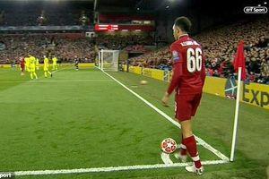 Hàng thủ Barcelona đã bị Liverpool lừa đau đớn như thế nào?