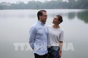 Công chúa kế vị Thụy Điển cùng Phu quân ngắm bình minh Hà Nội