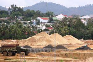 Kon Tum: Kiên quyết xóa bỏ bến bãi tập kết cát sỏi trái phép