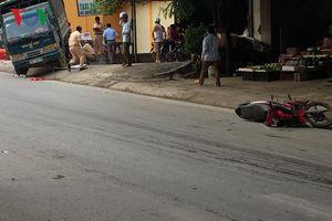 Xe tải vượt ẩu, tông vào xe máy khiến 1 phụ nữ tử vong