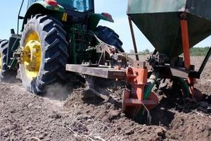 Duy trì, phát triển những cánh đồng mía lớn để cùng nông dân làm giàu