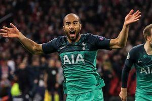 Cầu thủ Tottenham ăn mừng cuồng nhiệt sau chiến thắng lịch sử