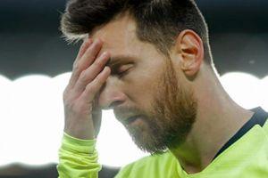 Messi bật khóc nức nở, phòng thay đồ Barca buồn 'như đưa đám'