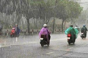 Chuyên gia thời tiết lý giải vì sao Hà Nội đột nhiên trở lạnh dù đã vào hè