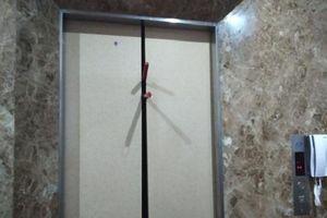 TP.HCM: Giải cứu thành công 8 người bị mắc kẹt trong thang máy lúc nửa đêm