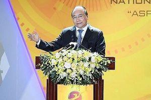 Thủ tướng Nguyễn Xuân Phúc nêu sứ mệnh lịch sử của doanh nghiệp công nghệ Việt Nam