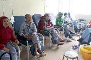 Thiếu thuốc ung thư điều trị, bệnh nhân phải mua thuốc giá cao gấp 7 lần