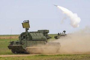 Căn cứ Hmeymim lại bị dội lửa, Nga khoe dùng 'hàng độc' để đánh chặn